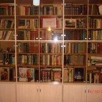 Классические распашные шкафы