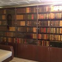 Библиотеки и наборы шкафов