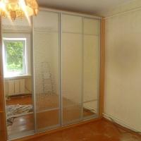 Шкафы-купе с зеркалами
