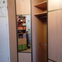 Встроенный угловой шкаф-купе 2