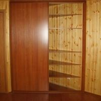 Встроенный двухдверный шкаф купе 10